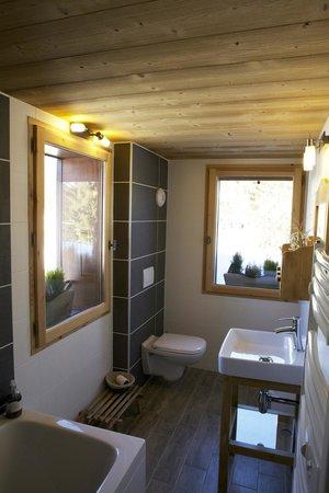 Chalet Sous le Jora : Salle de bains