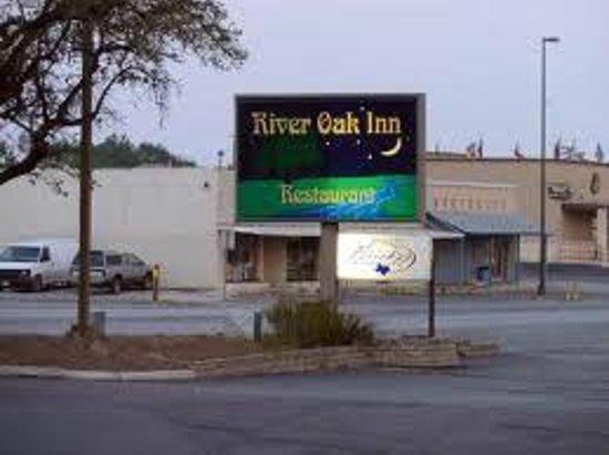 River Oak Inn & Restaurant:                   River Oak Inn