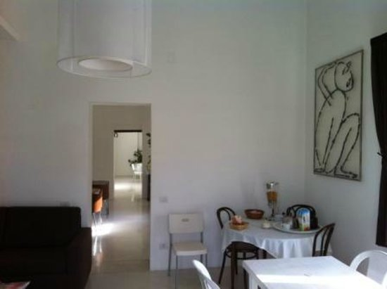 Zia Maria Home :                   breakfast area