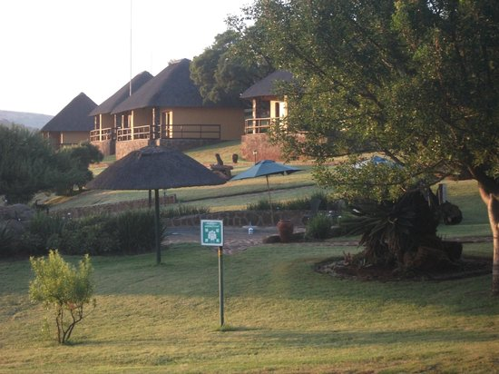 Hannah Game Lodge: vista bungalows