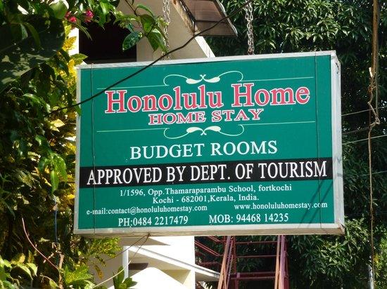 Honolulu Home HomeStay:                   Friendly Sign!