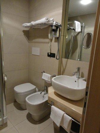 Cancelli Rossi Hotel: Bagno
