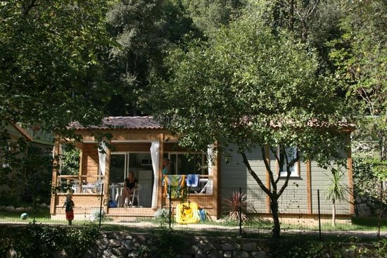 Camping Les Pinedes: chalet