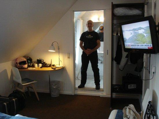 Savoy Hotel:                                                       camera piccola,ma accogliente