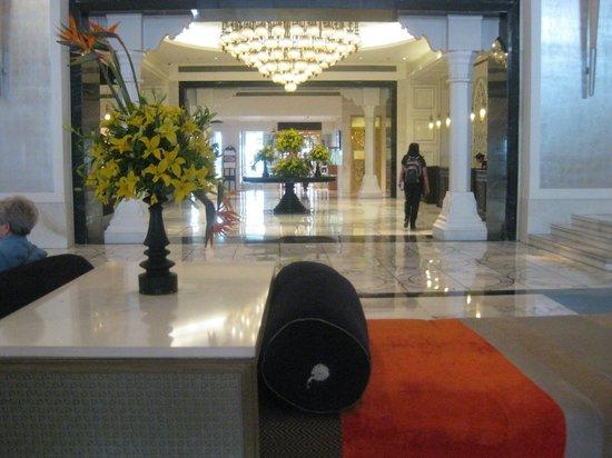 ITC Mughal, Agra:                   Lobby