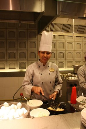 ITC Mughal, Agra:                   Breakfast chef