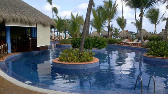 Excellence Punta Cana:                   Free form pool
