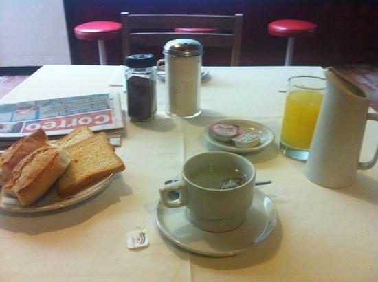Camino Real Hotel :                   desayuno