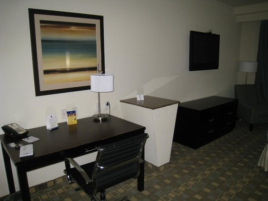 BEST WESTERN PLUS Fort Lauderdale Airport South Inn & Suites: zona trabajo
