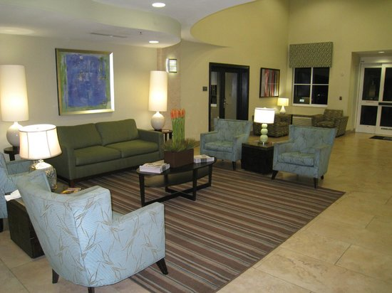BEST WESTERN PLUS Fort Lauderdale Airport South Inn & Suites: sofas zona comun