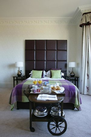 Nether Abbey Hotel: Feature Room - Room One