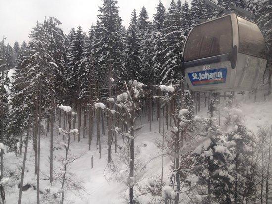 Sporthotel Austria:                   Gondola View