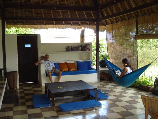 Bloo Lagoon Village:                   l'interna con pareti aperte