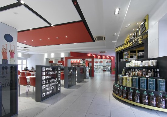 Hotel Abades Loja : Tiendas, Self-Servie, Catefería y Restaurante