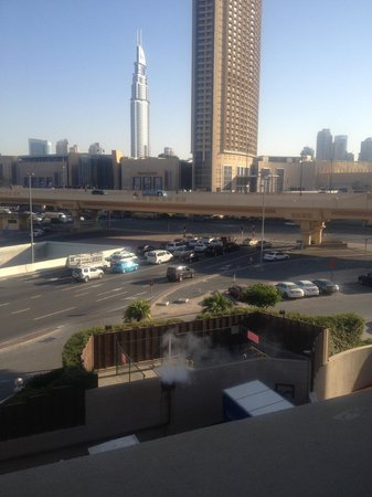 Al Murooj Rotana:                   Window View