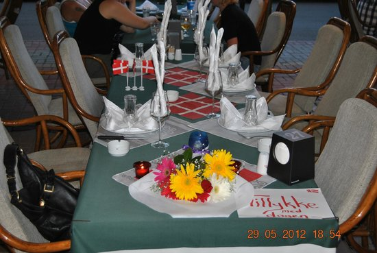 Kasif restaurant:                   Bestilling af fødselsdagsbord eller andre begivenheder er mulig hos Kasif