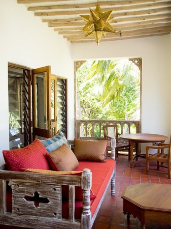 Galu Sea Lodge -Tamani:                                     Relaxing area