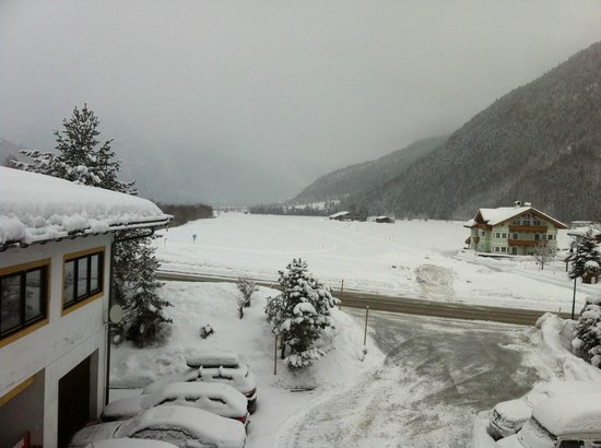 Tasma Hotel:                   Across to the Cross country skiing trail