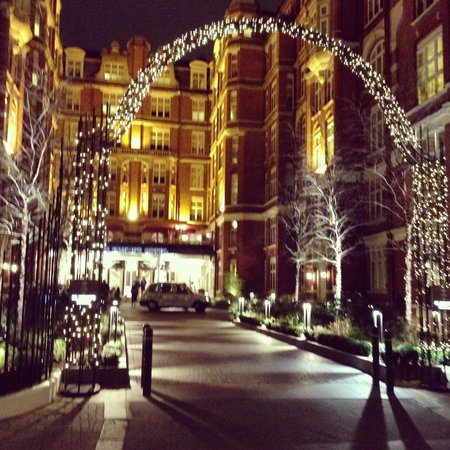 St. Ermin's Hotel, Autograph Collection:                   A very sparkly St Ermins Hotel