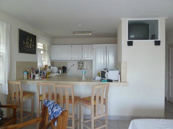 Ocean Bliss Apartments:                   cucina soggiorno