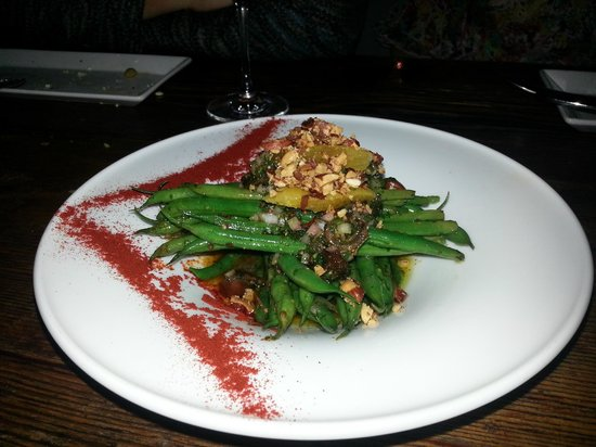 Tinto:                   fish and string beans