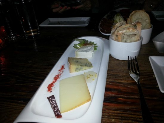 Tinto:                   the cheese try                 
