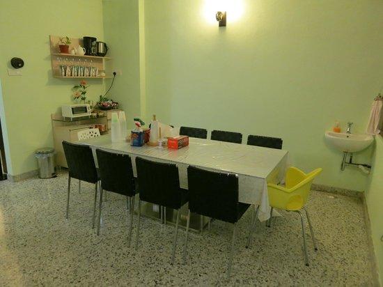 Twelve Inn Boutique Homestay:                   Dining room