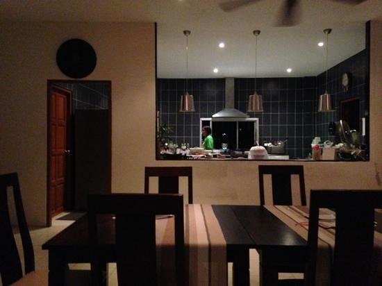 Cinnamon Restaurant & Lounge:                   clean kitchen
