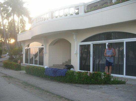 Tango Mar Beachfront Boutique Hotel & Villas:                   Our beachfront suite ( Royal Villa)