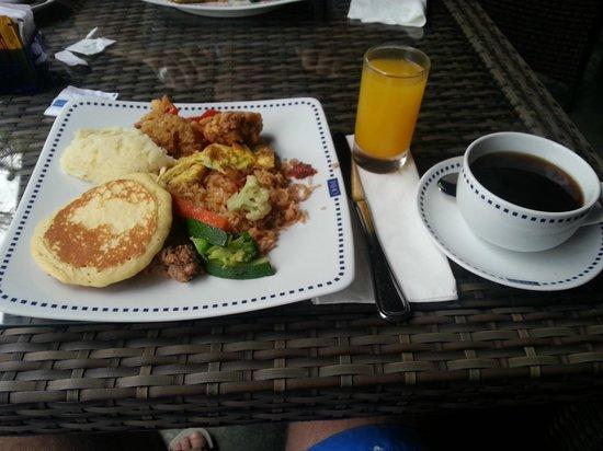 The Oasis Lagoon Sanur:                   Ontbijt                 
