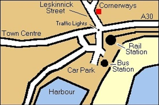 Cornerways Guest House: Within a walking distance of 2-3 minutes from rail/bus stations, harbour and terminal for the Is