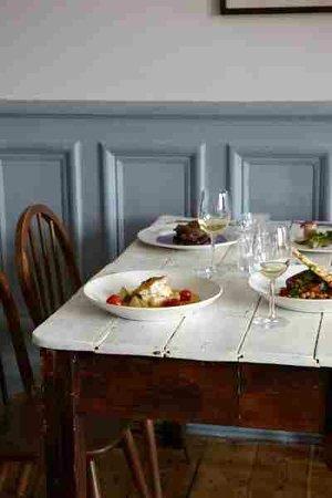 Claude's Kitchen:                   interior