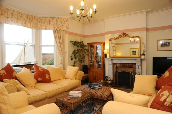 Northcliffe Bed & Breakfast: Guest lounge