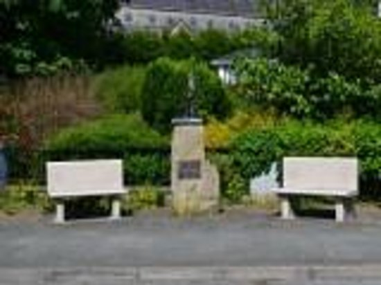 The Gateway Hotel: Swinford Old Famine Grave