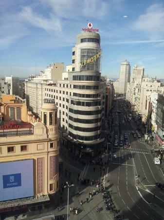 Madrid Motion Hostel:                                     Vistas desde el Corte Inglés que está lado del Hostal
