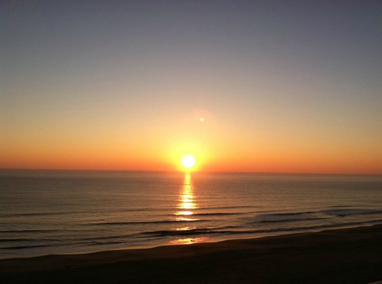 Hampton Inn Virginia Beach-Oceanfront South:                   Sunrise from the balcony