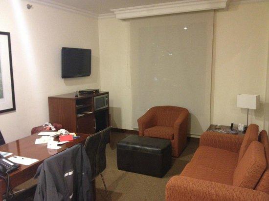 Embassy Suites by Hilton Bogota-Rosales:                   Wohnzimmer