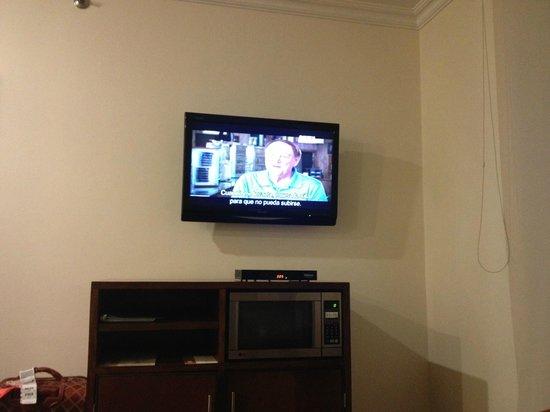 Embassy Suites by Hilton Bogota-Rosales:                   Einer von zwei TV's