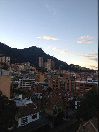 Embassy Suites by Hilton Bogota-Rosales:                   Aussicht vom Bett