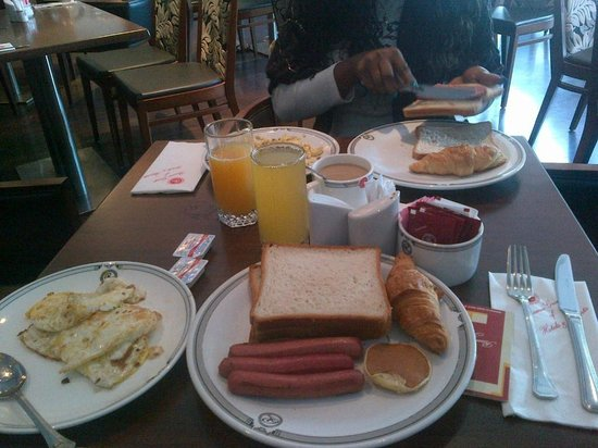 Ramee Rose Hotel:                   breakfast
