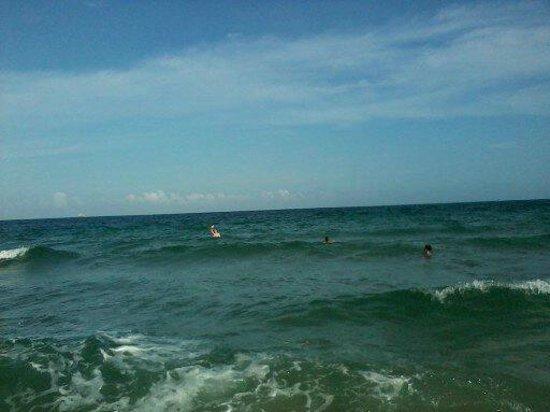 BEST WESTERN PLUS Oceanside Inn:                   beach