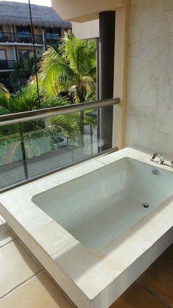 Catalonia Yucatan Beach:                   Junior Suite - Balcony