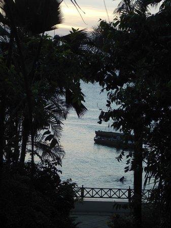 Zanzibar Serena Hotel :                   sunset on the Indian Ocean