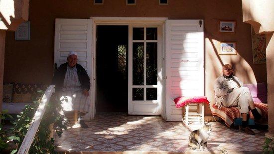 Villa Zagora Ma Villa au Sahara:                   Ahmed on the left
