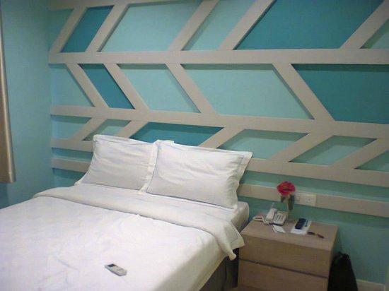 Sunshine Inn:                   Stylish decor