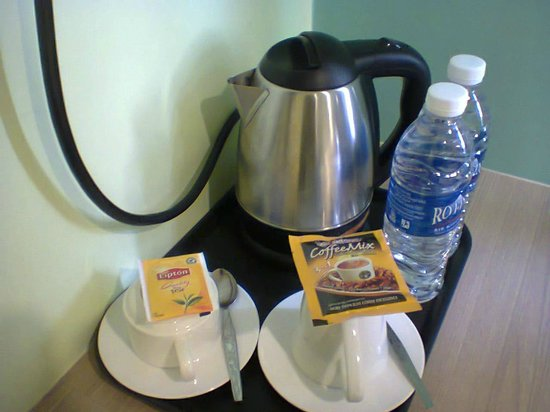 Sunshine Inn:                   Complimentary coffee and drinking water
