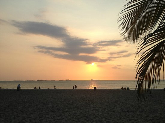 Irotama Resort: Sonnenuntergang am Strand