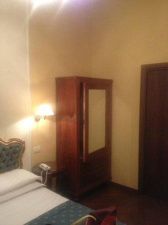Locanda Sant'Agostin:                   Antique wardrobe