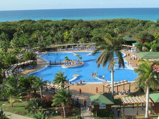 Buffet picture of blau varadero hotel cuba varadero for Piscine varadero