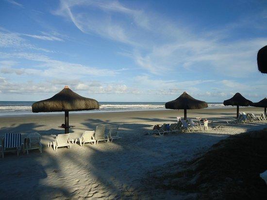 Hotel Transamerica Ilha de Comandatuba:                                     Praia em frente ao hotel
